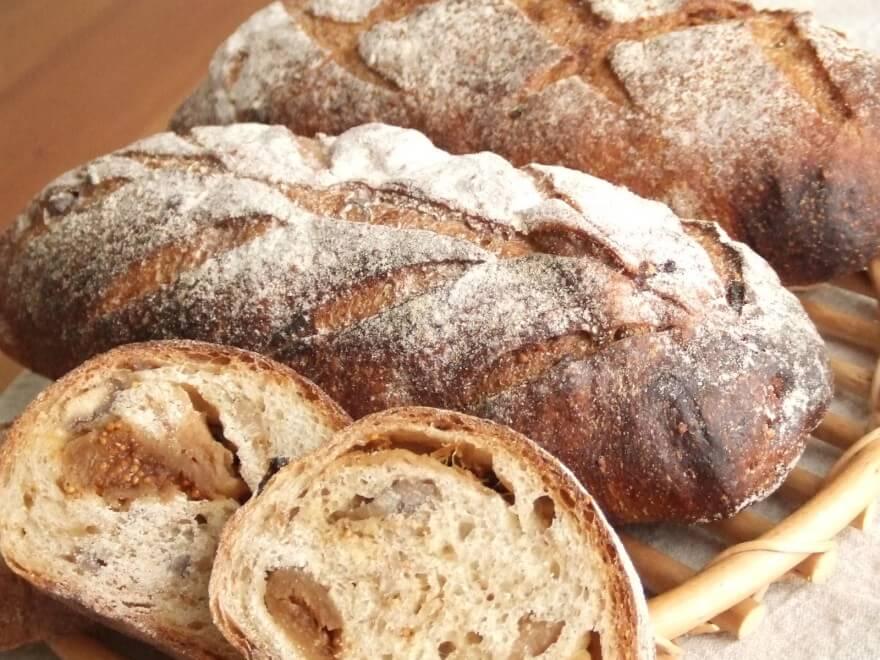 いちじくと栗のライ麦パン