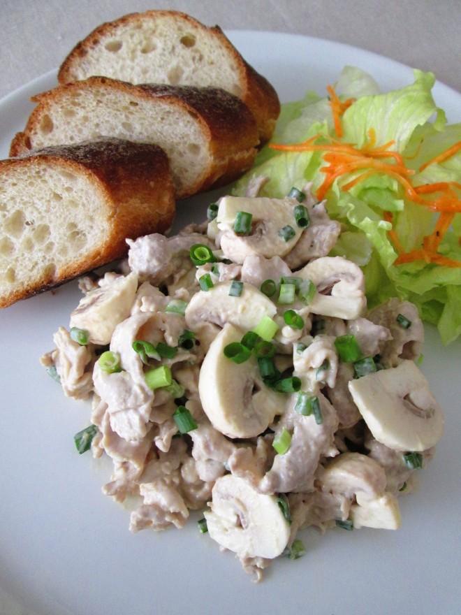 豚肉とマッシュルームの味噌マヨサラダ